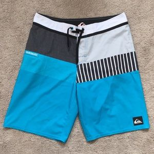 Quicksilver board Shorts sz 30 waist.